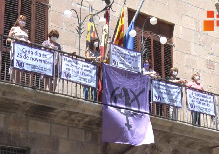 2.000 banderoles  per mostrar el rebuig a les violències masclistes
