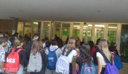 Confinats una vintena d'alumnes de 1r d'ESO de l'Institut Manuel…