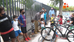 L'Escola Àngel Guimerà de Tàrrega promociona els aparca-bicis per afavorir…