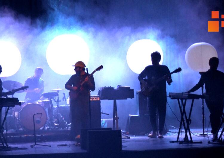 El Teatre Ateneu de Tàrrega va acollir el concert de presentació dels treballs, Energia Fosca i Kevin del Petit de Cal Eril i Ferran Palau