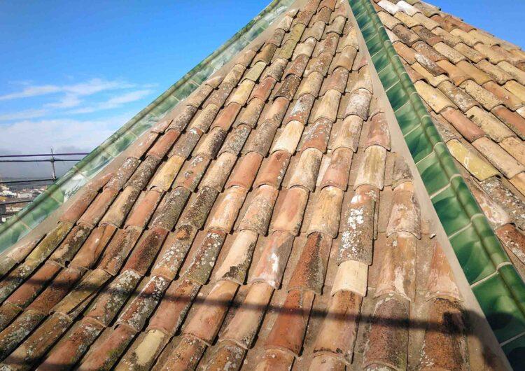 El cimbori de l'església de Santa Maria de l'Alba recupera els careners vidriats