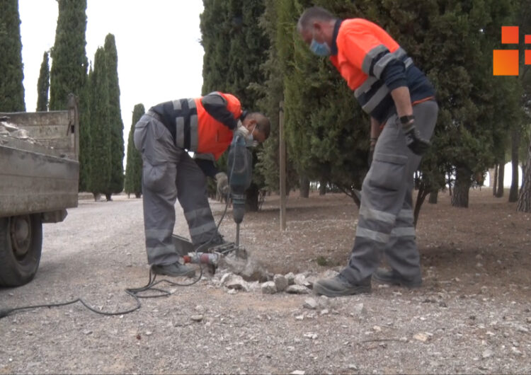Inicien la reparació dels fanals arrancats i tombats a Sant Eloi