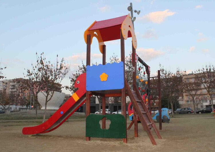 L'Ajuntament de Tàrrega du a terme treballs de reparació dels parcs infantils
