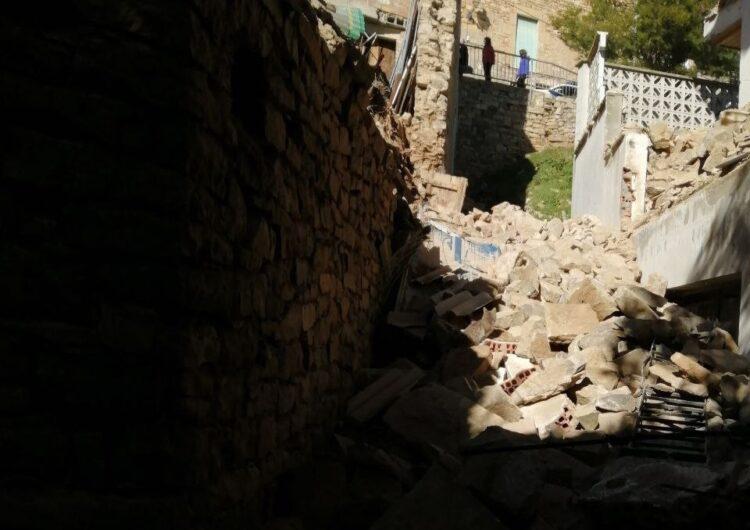 Els veïns afectats per la caiguda d'un mur al carrer Major del Talladell han tornat als seus domicilis