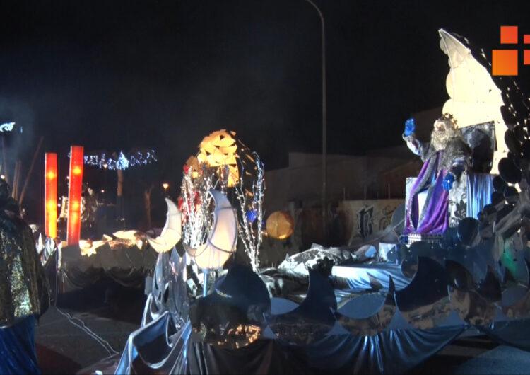 Els Reis Mags d'Orient han instal·lat les seves carrosses a l'Espai Fassina on han rebut la visita dels nens i nenes de Tàrrega.