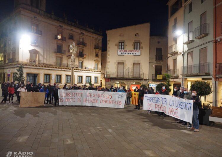 Més de mig centenar de persones es manifesten a Tàrrega en contra de l'empresonament del raper lleidatà Pablo Hasel