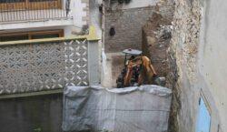 Desenrunen les restes del mur que es desplomà el passat…