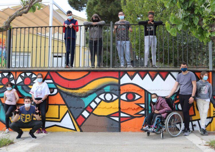 L'Escola Alba de Tàrrega llueix un nou mural que reivindica la diversitat i la inclusió