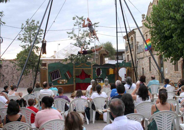 La Regidoria de Cultura de Tàrrega obre amb èxit a la Figuerosa el seu cicle estival d'arts de carrer